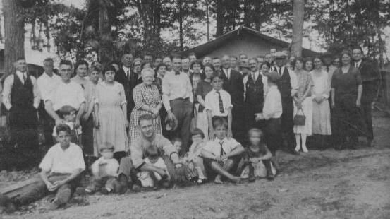 Early 1900's gathering of Kalloch's